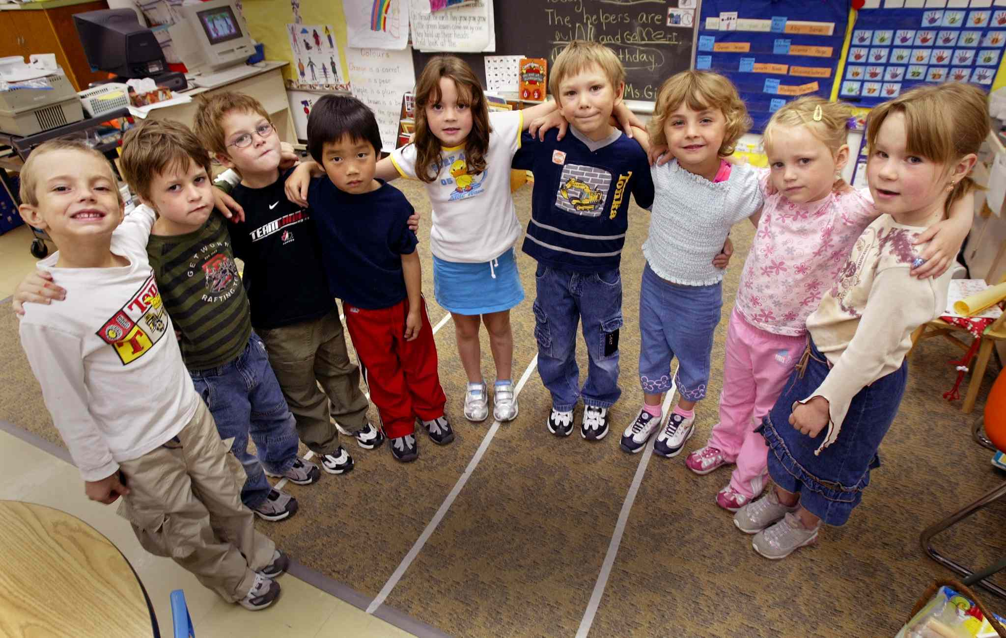 Part of teacher Doris Gietz's kindergarten class at Windsor School (from left) Quinn Mayer, Devon McLeod, Jesse Gibbons, Gabriel Jung, Paige Henwood, Garrett Clarke, Abygale Doerksen, Hailey Harrison and Sarah Orbanski (Joe Bryksa / Winnipeg Free Press)
