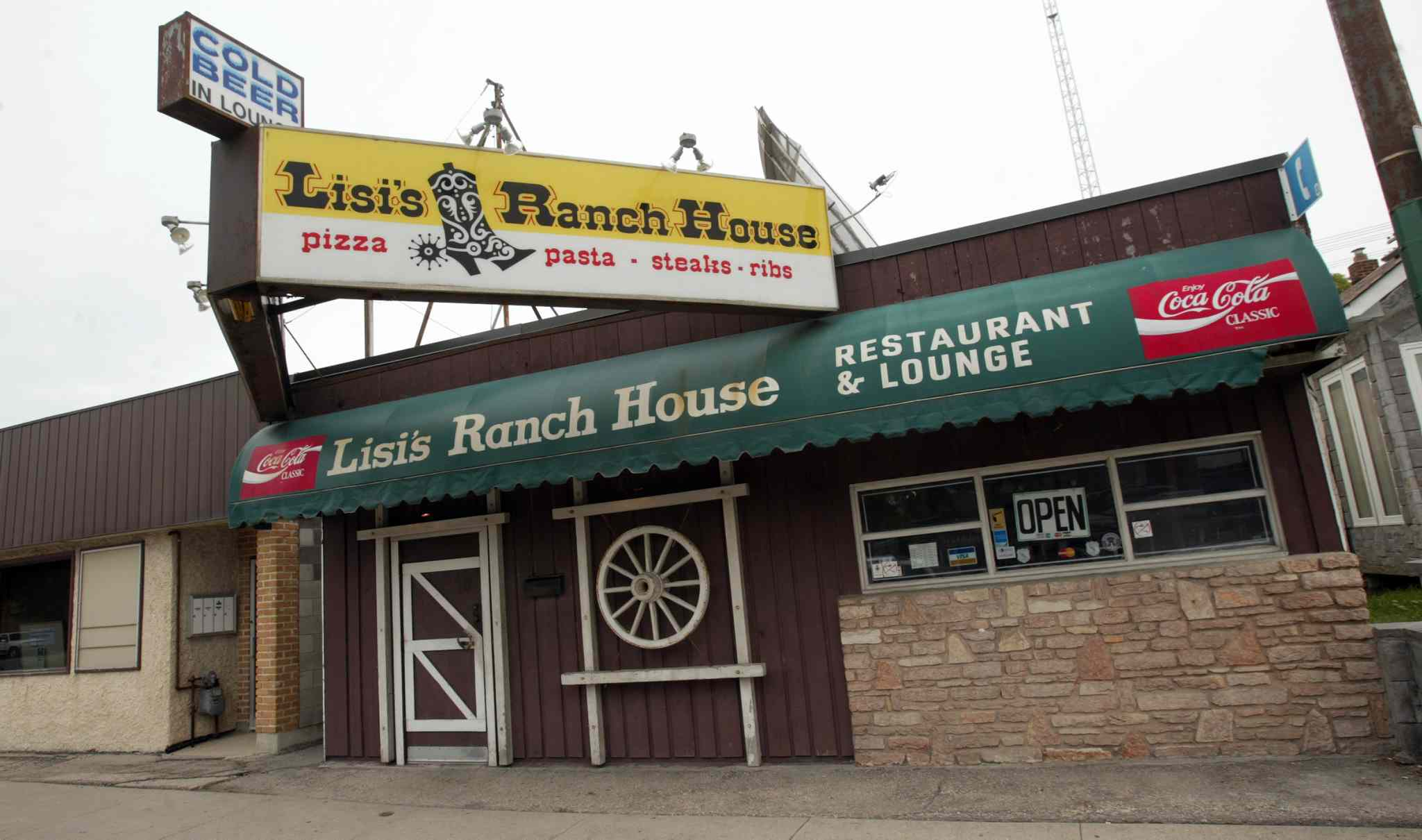 Lisi's Ranch House Restaurant on Main. (Phil Hossack / Winnipeg Free Press files)