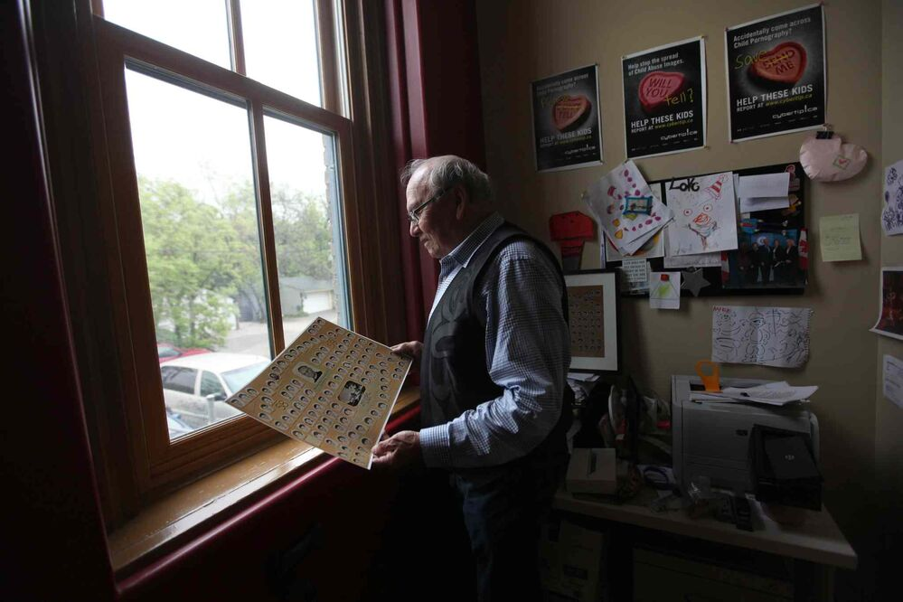 Theodore Fontaine, visits the former Assiniboia Residential School at 611 Academy, now the Canadian Centre for Child Protection, that he went to in the late 1950's. (Ruth Bonneville / Winnipeg Free Press)