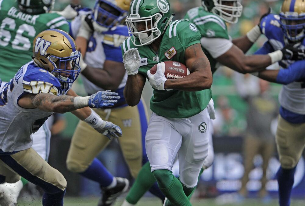 Winnipeg free press breaking news sports manitoba canada bombers lose 31 23 to roughriders in tough labour day classic fandeluxe Choice Image