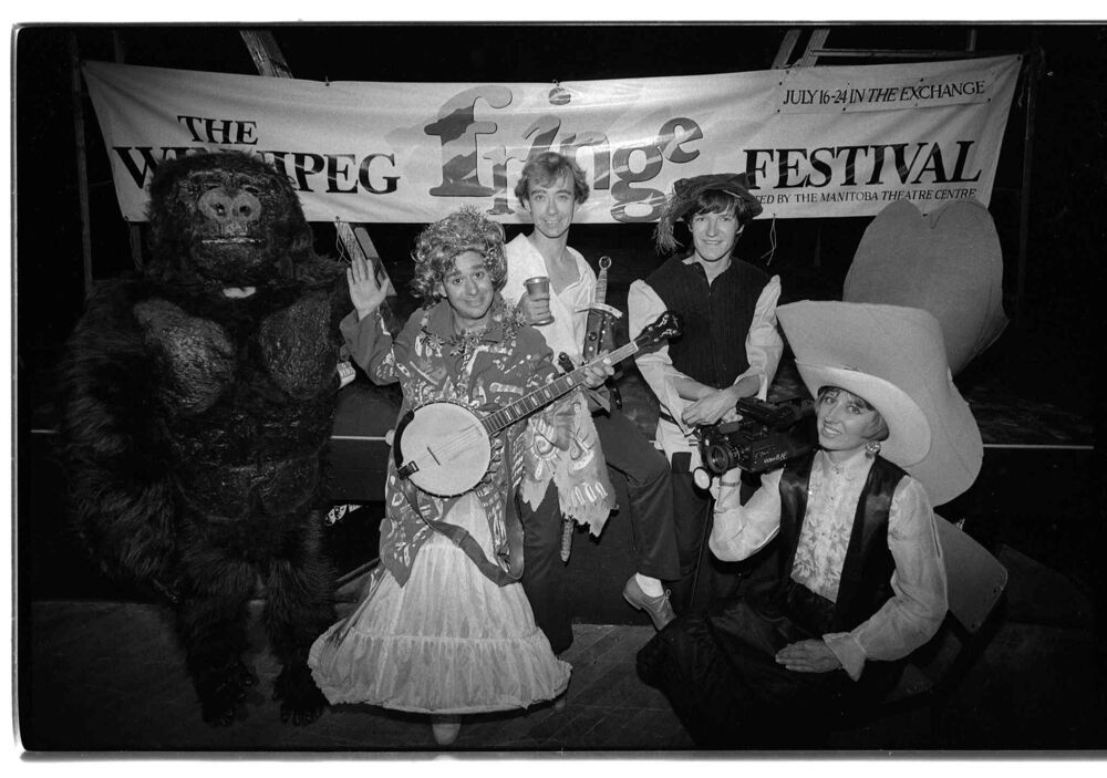 Actors from various Fringe Festival shows. July 12, 1988. (Jeff De Booy / Winnipeg Free Press)