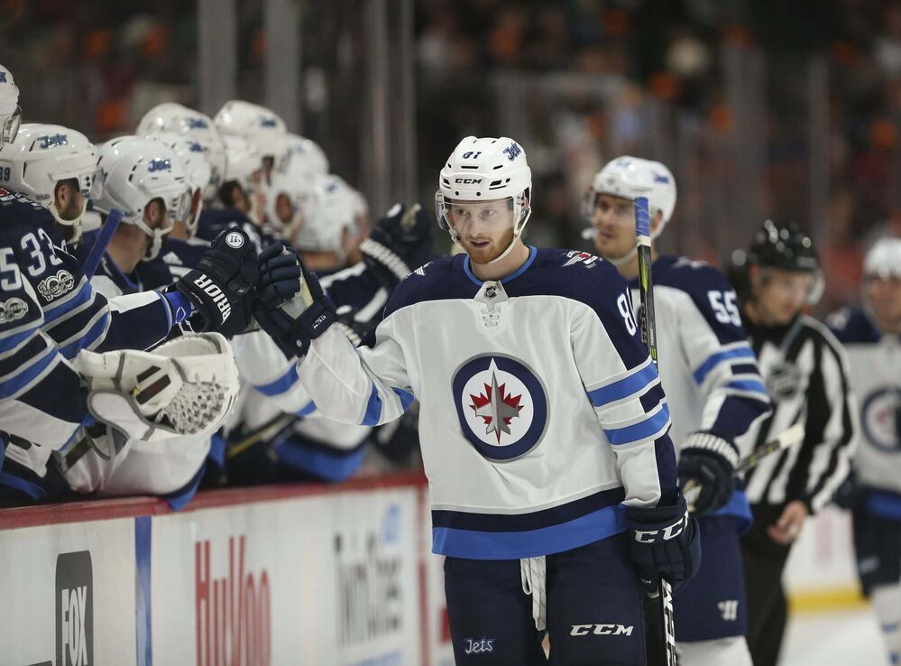 a9a82efdd Connor adjusting quickly to life in the NHL - Winnipeg Free Press