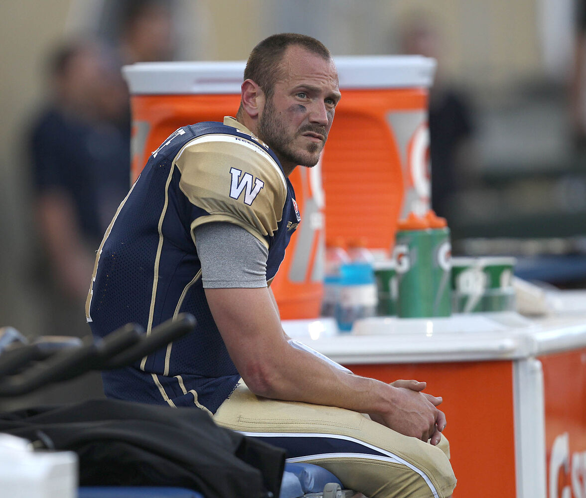 Winnipeg Blue Bombers quarterback Buck Pierce takes a break during the second quarter. (JOE BRYKSA / WINNIPEG FREE PRESS)