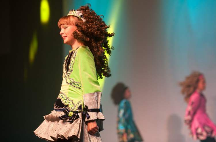 Dancers perform at the Celtic Pavillion during Folklorama Wednesday, August 15. (COLE BREILAND / WINNIPEG FREE PRESS)