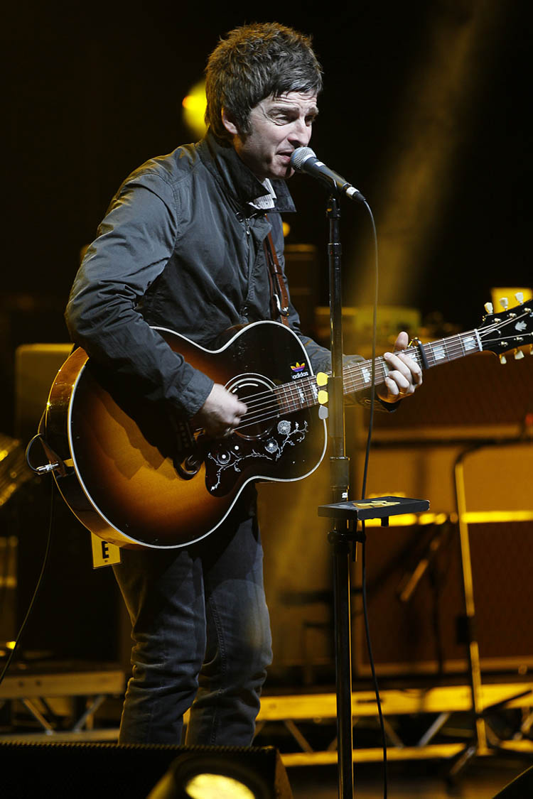Noel Gallagher's High Flying Birds perform at the Centennial Concert Hall Tuesday October 30, 2012. (John Woods / Winnipeg Free Press)