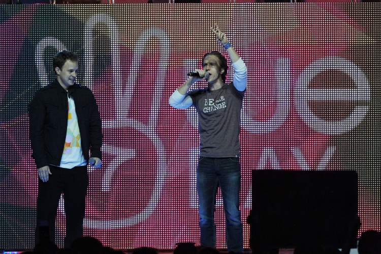 Marc Kielburger and Craig Kielburger, co-founders of Free the Children. (Mike Deal / Winnipeg Free Press)