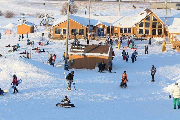 As skiers and snowboarders head up and down the hill, the Springhill clubhouse area was also a popular destination. (TREVOR HAGAN/WINNIPEG FREE PRESS) (TREVOR HAGAN / WINNIPEG FREE PRESS)