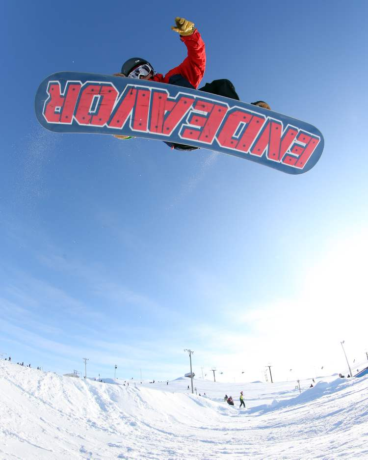 Colin Jakilazek gets some Springhill air. (TREVOR HAGAN/WINNIPEG FREE PRESS) (TREVOR HAGAN / WINNIPEG FREE PRESS)