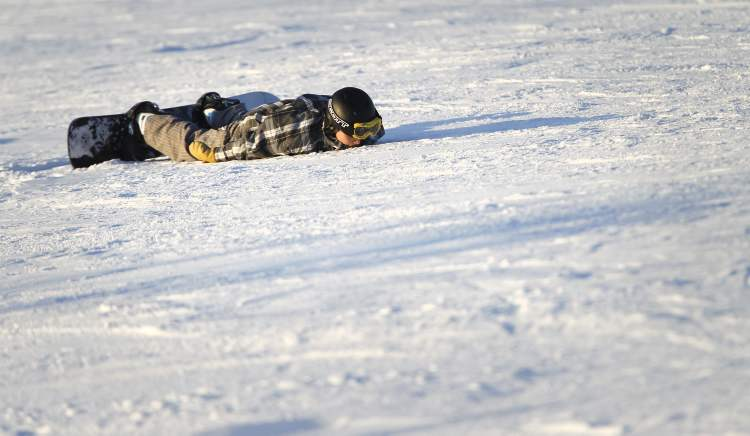 Of course, for every thrill, there's a spill, as this young Springhill snowboarder would find out. (TREVOR HAGAN/WINNIPEG FREE PRESS) (TREVOR HAGAN / WINNIPEG FREE PRESS)
