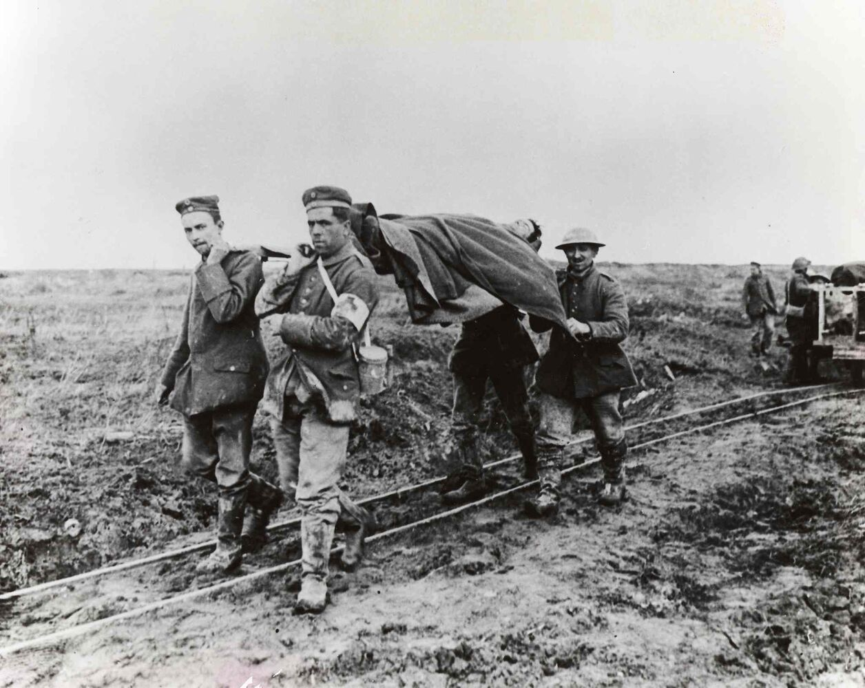 Bringing in the wounded Canadian soldiers from the battlefield, April 1917, at Vimy Ridge, France.   (Canada. Dept. Of National Defence/National Archives of Canada/ PA-001125)