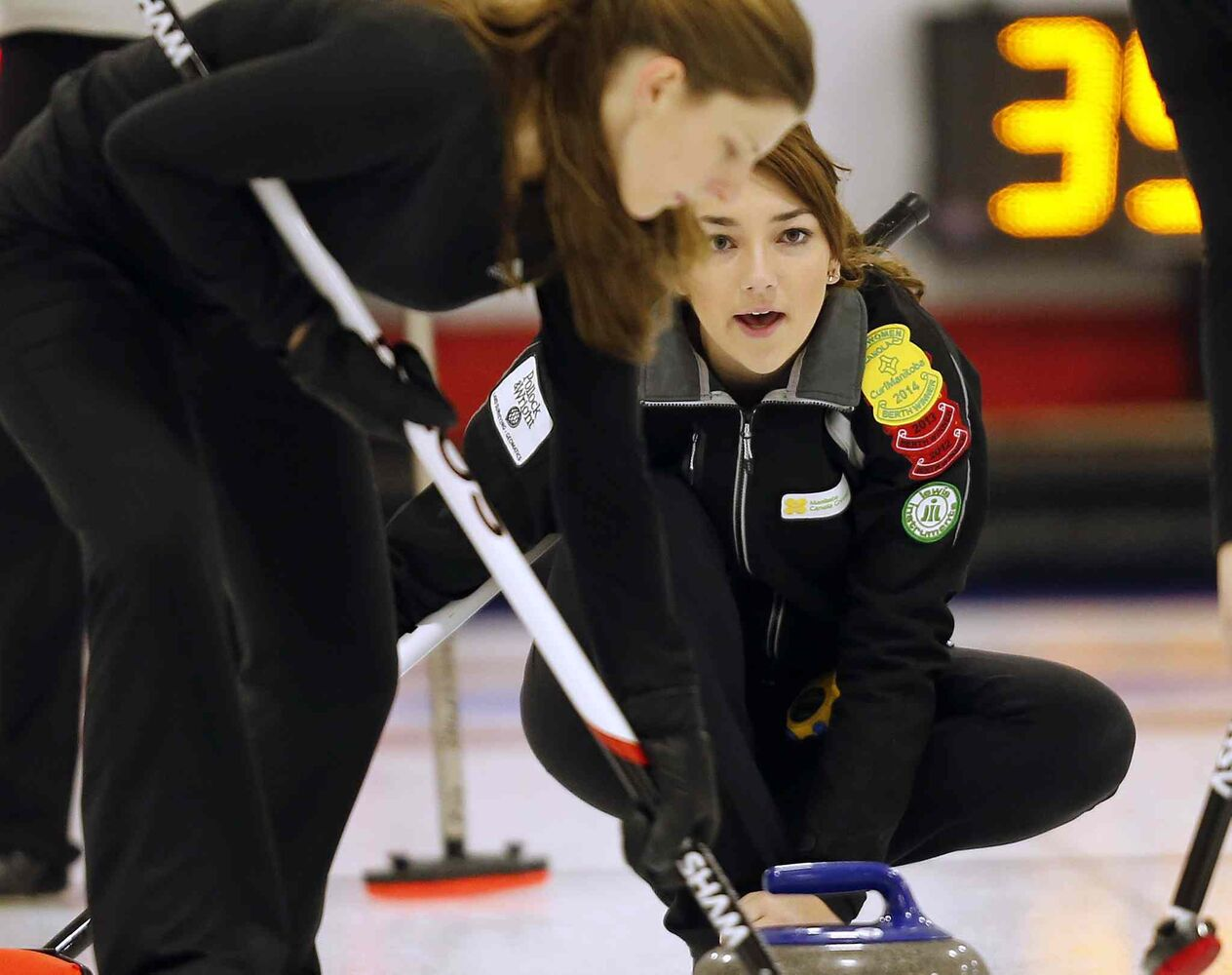 Kristy Watling in a game vs Beth Peterson at the Canola  Junior Provincial Curling Championships at the  Portage Curling Club, Dec. 30 2013. (KEN GIGLIOTTI / WINNIPEG FREE PRESS)