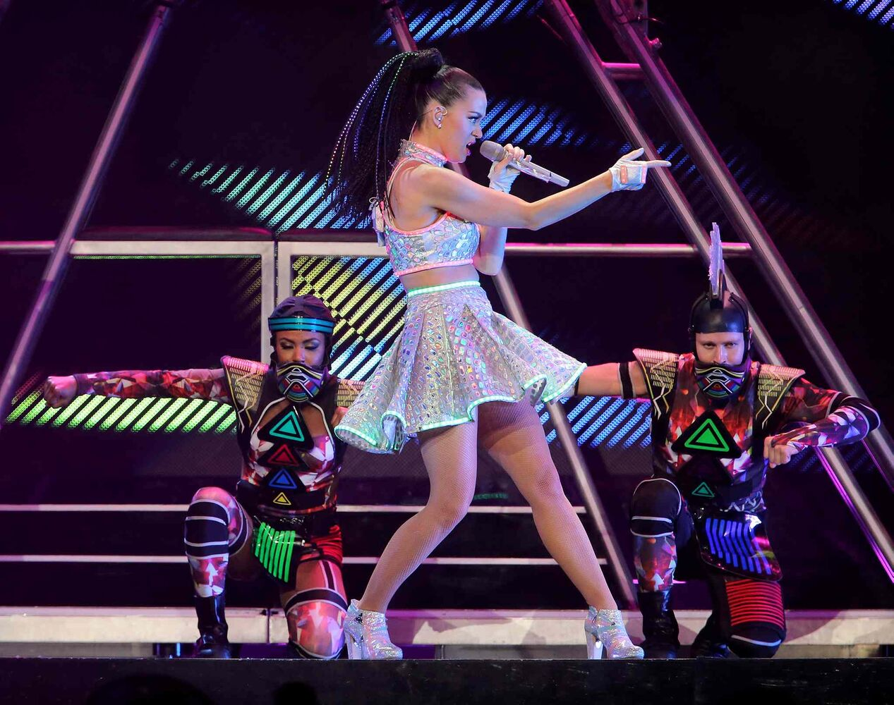 Katy Perry performs at Winnipeg's MTS Centre Tuesday, Aug. 26.  (Trevor Hagan / Winnipeg Free Press)
