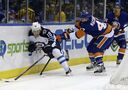 Islanders send Jets packing