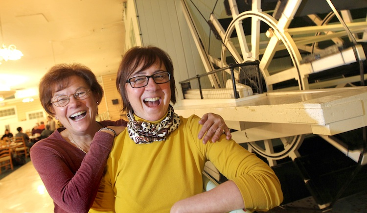 Long-time friends Patricia Holmes (left) and Judy Baran had to visit the Paddlewheel Restaurant one last time after spending their Saturdays at the restaurant when they were younger.