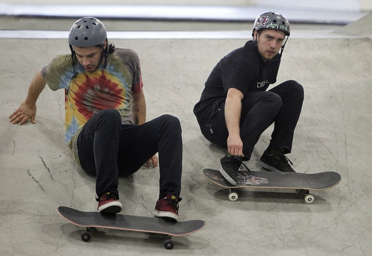 Skateboarders at The Edge Skatepark. (TREVOR HAGAN / WINNIPEG FREE PRESS)