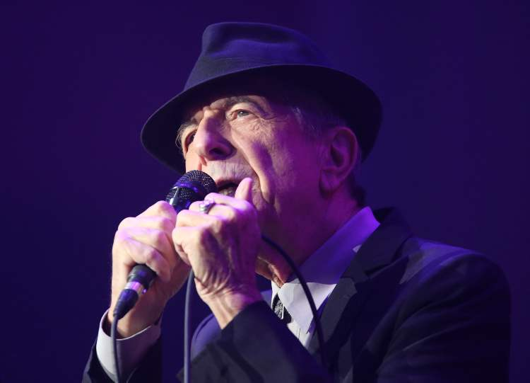 Leonard Cohen serenades the MTS Centre Friday. (TREVOR HAGAN / WINNIPEG FREE PRESS)