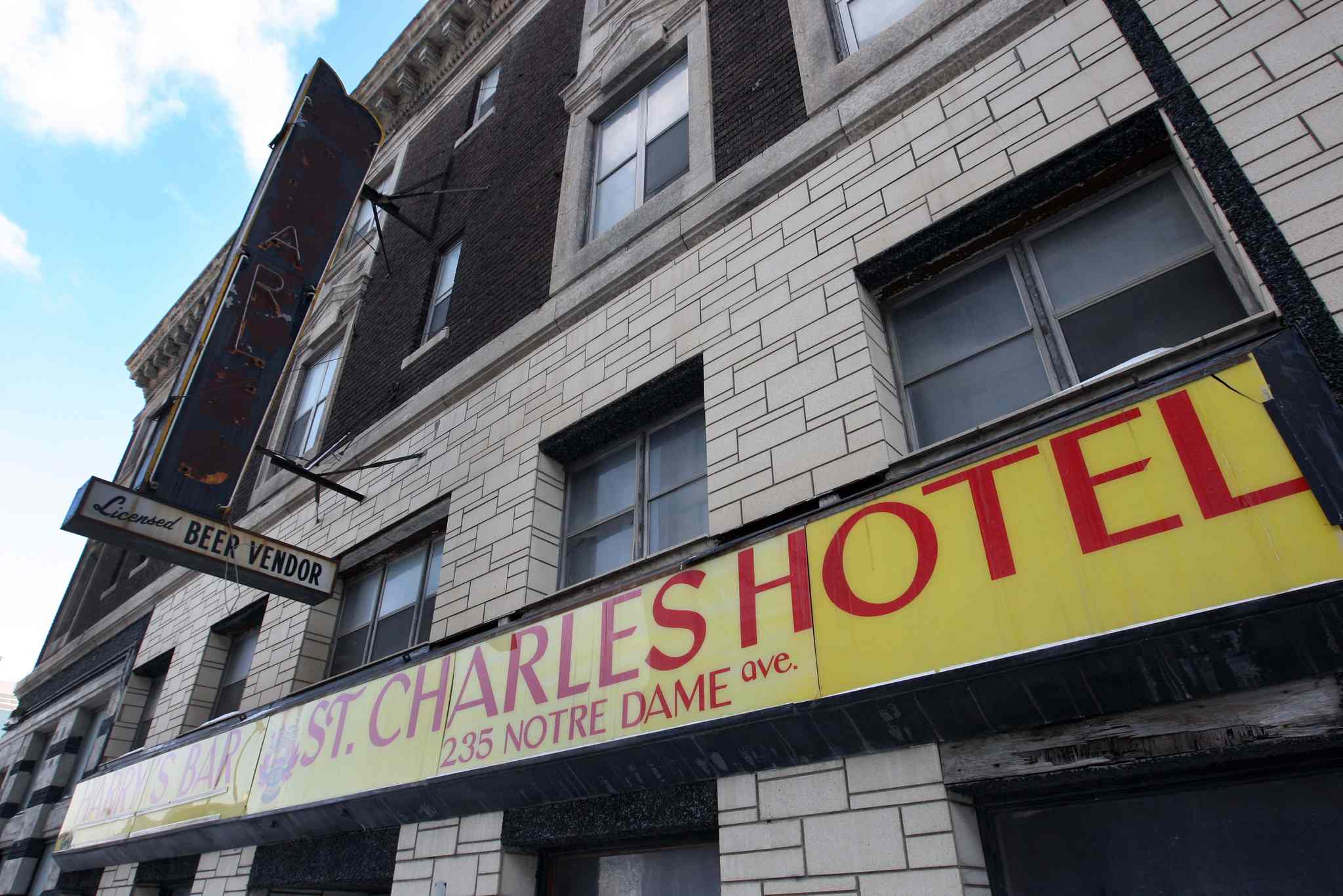 Owner Ken Zaifman bought the hotel in 2005 and later pledged to turn it into a boutique hotel. Now he wants to demolish it.
