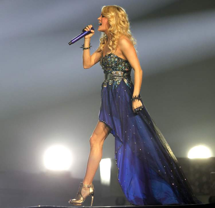 Carrie Underwood struts her stuff.