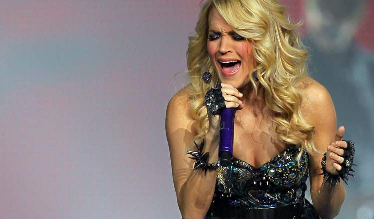 Carrie Underwood performs at the MTS Centre Wednesday evening.