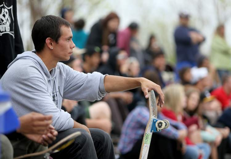 Lots of people showed up to watch and participate in the Skate4Cancer event. (TREVOR HAGAN / WINNIPEG FREE PRESS)