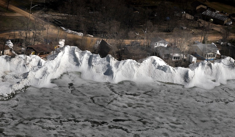 Steep hills of ice from Dauphin Lake line Ochre Beach. (Phil Hossack / Winnipeg Free Press)