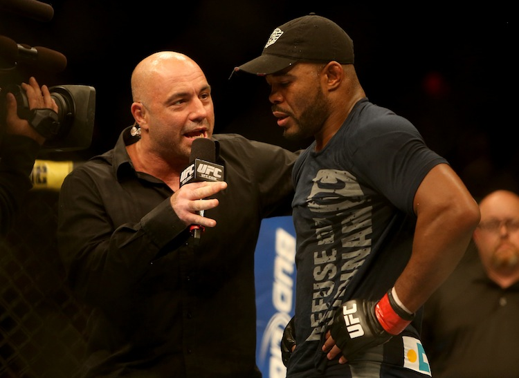 Joe Rogan interviews Rashad Evans after his decision win over Dan Henderson. (TREVOR HAGAN / WINNIPEG FREE PRESS)