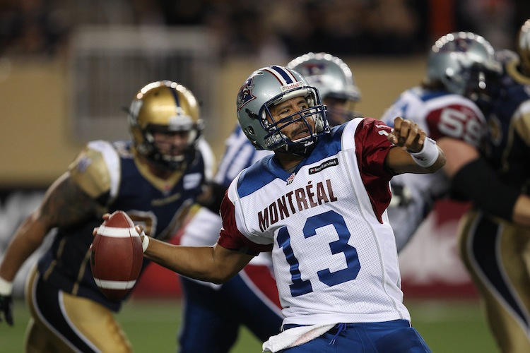 Montreal Alouettes quarterback Anthony Calvillo throws during fourth-quarter action. (JOE BRYKSA / WINNIPEG FREE PRESS)
