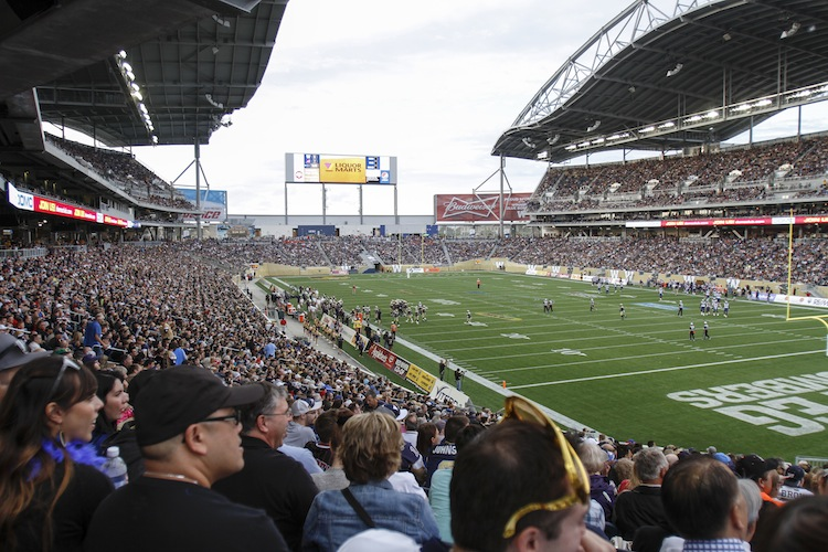 Fans get ready to watch the Winnipeg Blue Bombers' regular-season opener against the Montreal Alouettes Thursday night. (JESSICA BURTNICK / WINNIPEG FREE PRESS)