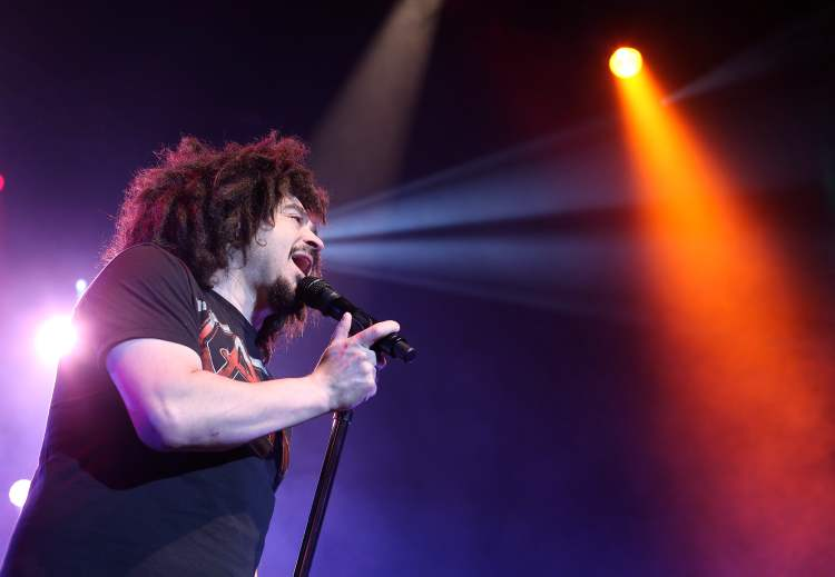 Counting Crows lead singer Adam Duritz. (Jason Halstead / Winnipeg Free Press)