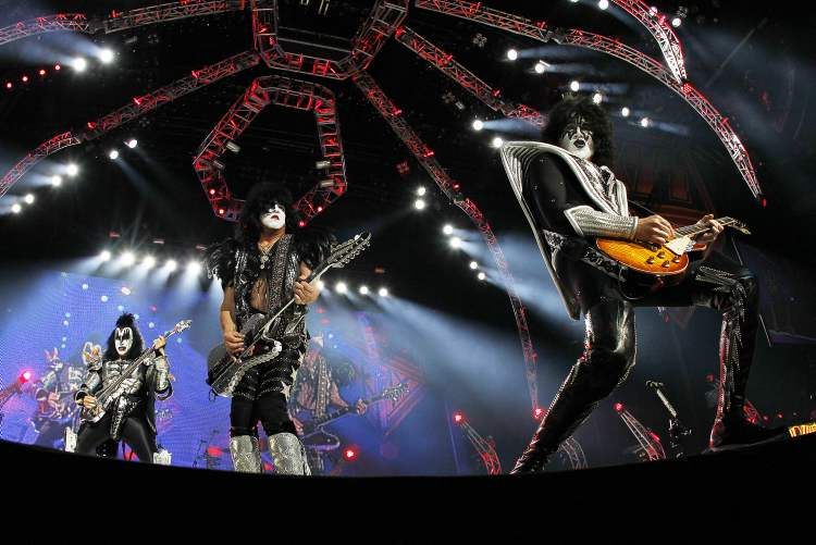 Simmons, Stanley and Thayer wield their rock and roll axes. (John Woods / Winnipeg Free Press)