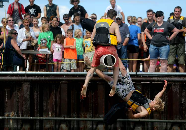 Many a competitor was dunked. (TREVOR HAGAN / WINNIPEG FREE PRESS)