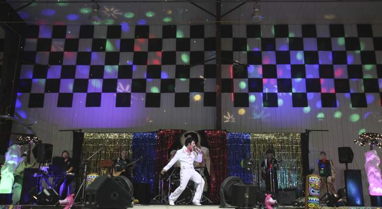 Elvis Presley was all about the spectacle, and the Manitoba Elvis Festival brought the lights, the sounds, and the jumpsuits to the Gimli Rec Centre Saturday evening. (JESSICA BURTNICK / WINNIPEG FREE PRESS)