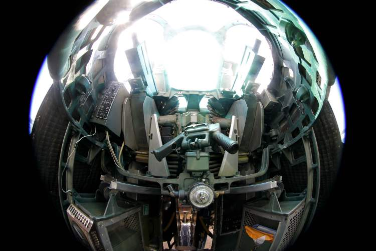 The top gunner turret section of Sentimental Journey. (BORIS MINKEVICH / WINNIPEG FREE PRESS)
