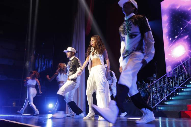 Selena Gomez performs at MTS Centre in Winnipeg Monday, August 19, 2013. (John Woods / Winnipeg Free Press)