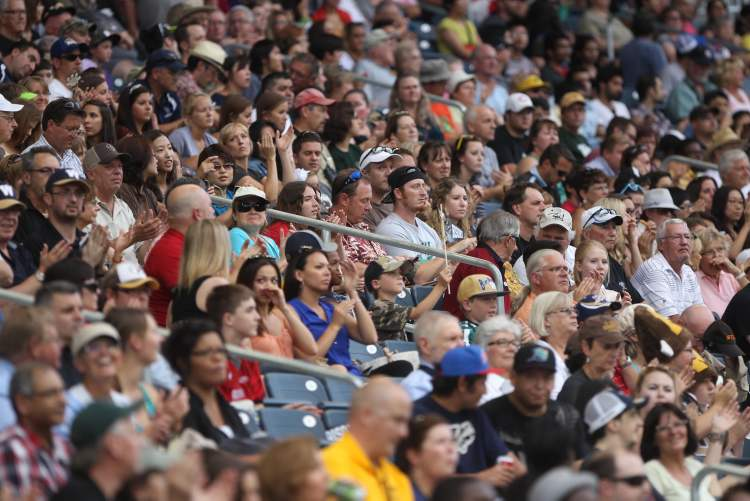 Thousands made the trek to Investors Group Field to see the University of Manitoba Bisons take on the University of Alberta Golden Bears. (JOE BRYKSA / WINNIPEG FREE PRESS)