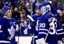 Michael Hutchinson gets first win of season, Leafs beat Red Wings