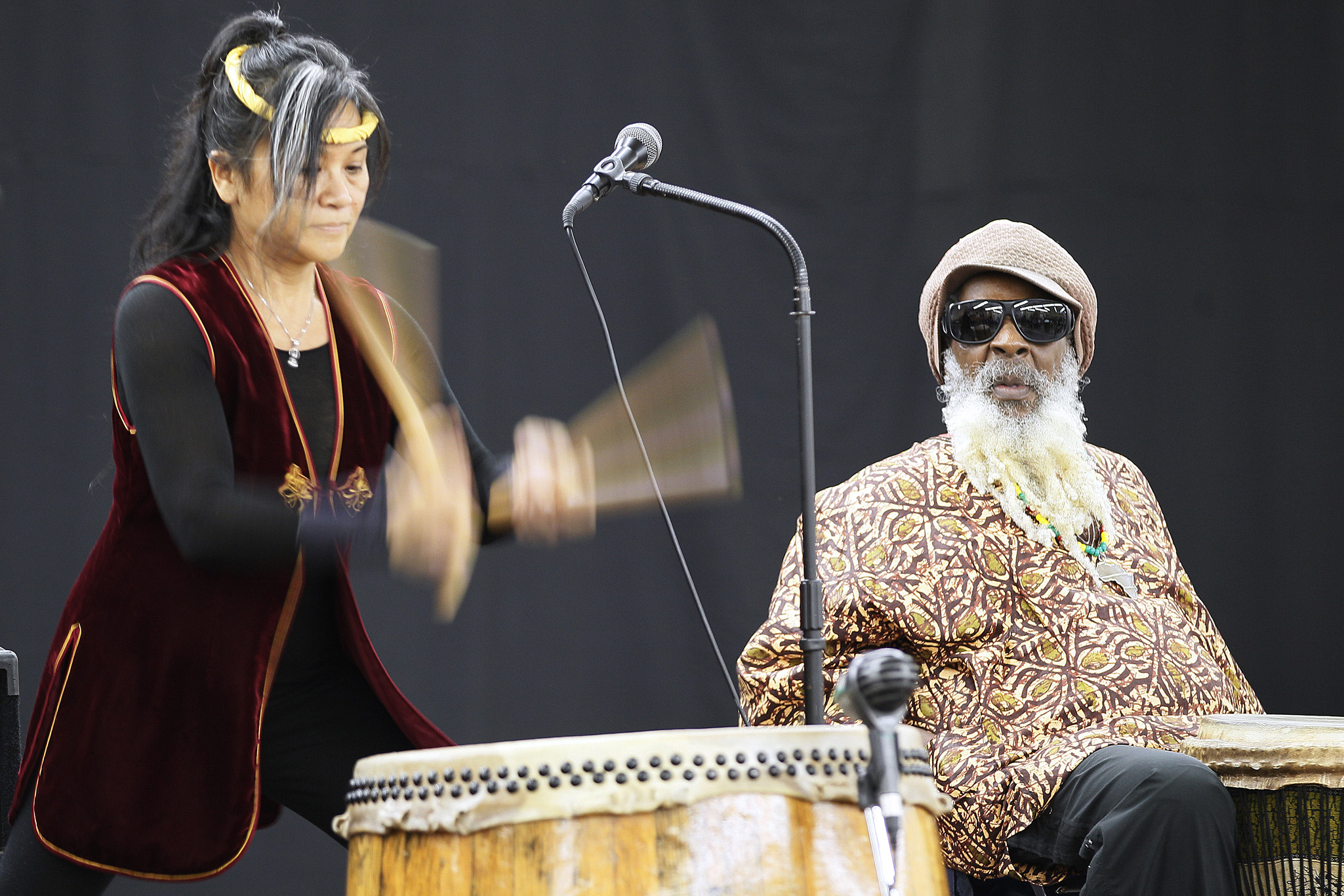 November 17, 2013 - 131117  -  Phoebe Man and Rico John of 4 Direction Drummers play drums at the Restorative Justice Week kick off event at the Indian and Metis Friendship Centre in Winnipeg Sunday, November 17, 2013. John Woods / Winnipeg Free Press