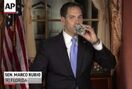 Rubio deftly handles water-bottle blooper