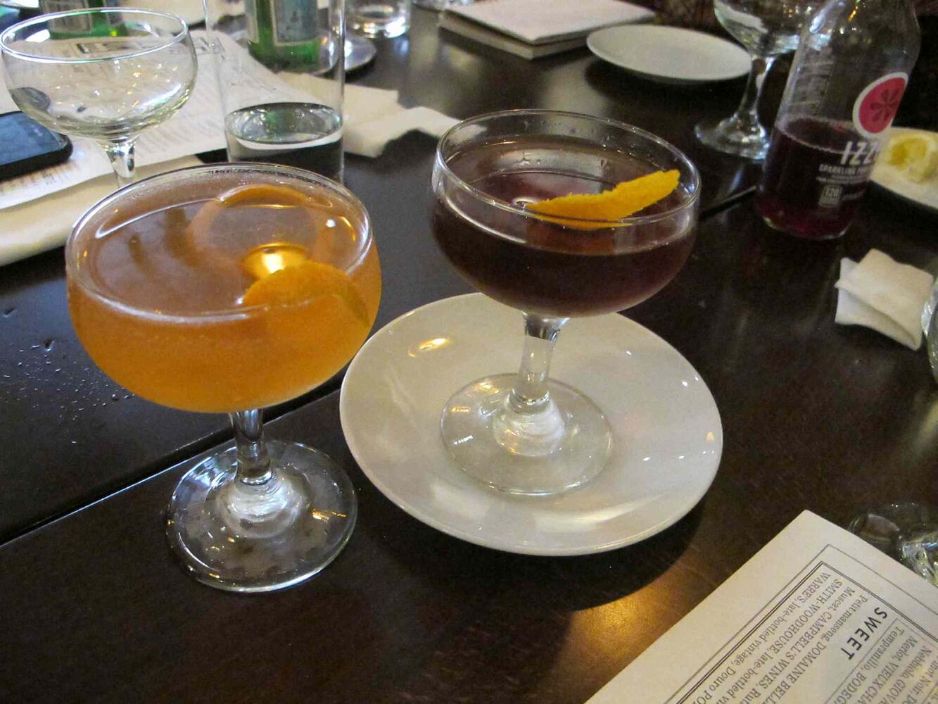 Cocktails at Vellum. (Jill Wilson / Winnipeg Free Press)