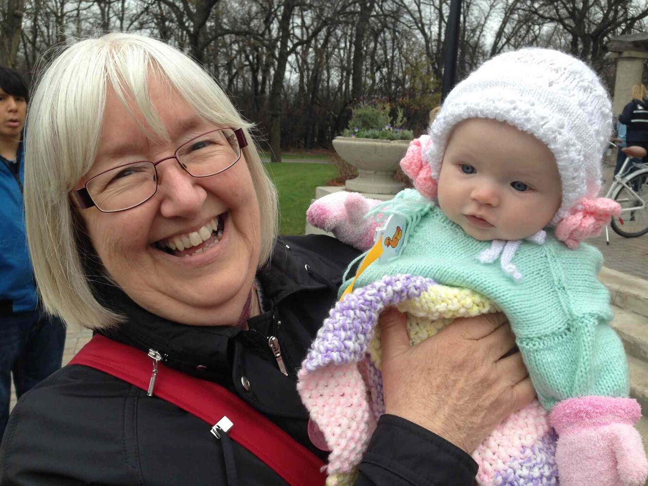 Kay Muir took her baby granddaughter Clara to see the prince in Assiniboine park Wednesday morning.  (GORDON SINCLAIR JR./WINNIPEG FREE PRESS)