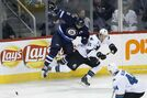 Sharks take a bite out of undisciplined Jets, leave Winnipeg with 4-1 win
