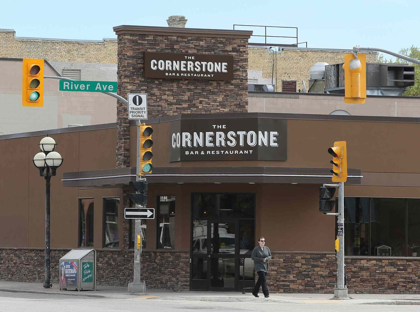 The Cornerstone Bar and Restaurant at the corner of Osborne Street and River Avenue in Winnipeg. (Jason Halstead / Winnipeg Free Press)
