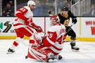 Pastrnak scores 42nd goal; Bruins roll past Detroit, 4-1