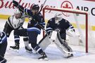 Jets fall below .500 with 3-2 loss to visiting Kings