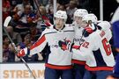 Ovechkin ties Yzerman for career goals; Caps top Isles 6-4