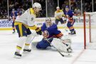 Predators score 7 straight goals, beat Islanders 8-3