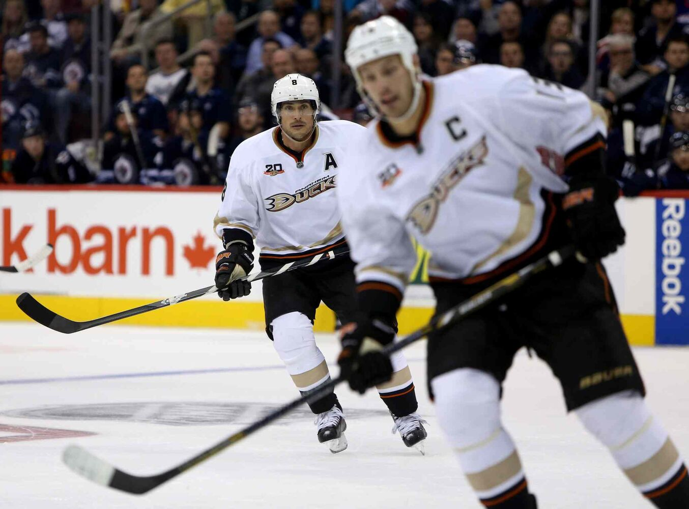 Anaheim Ducks' Teemu Selanne, left, and Ryan Getzlaf take a second- period shift.