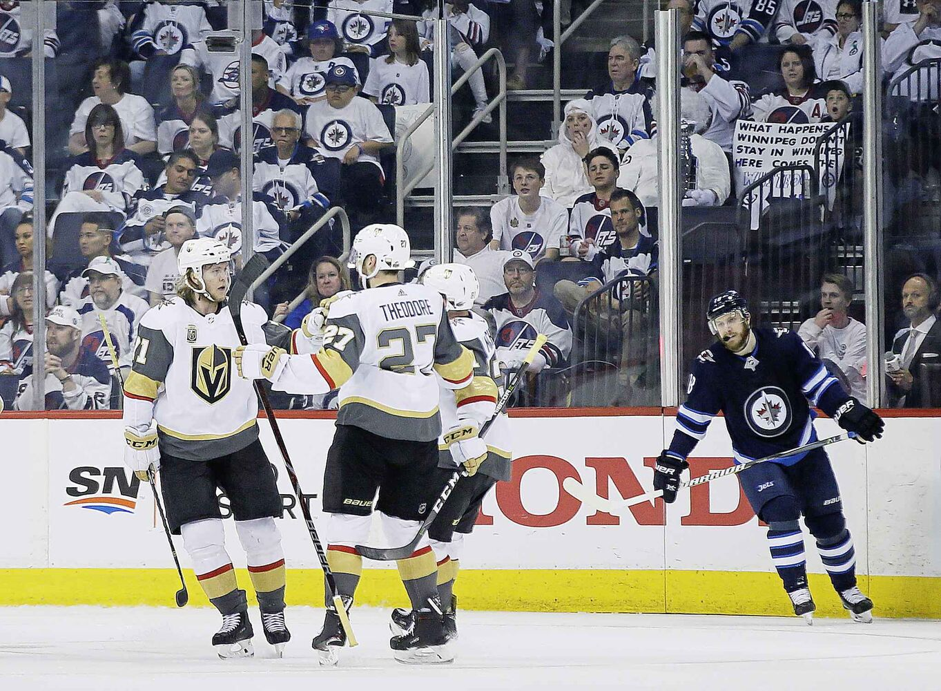 JOHN WOODS / THE CANADIAN PRESS</p><p>Vegas Golden Knights celebrate William Karlsson's (71) goal against the Winnipeg Jets during second period of game one action in the NHL Western Conference Final in Winnipeg on Saturday, May 12, 2018.</p> (CP)