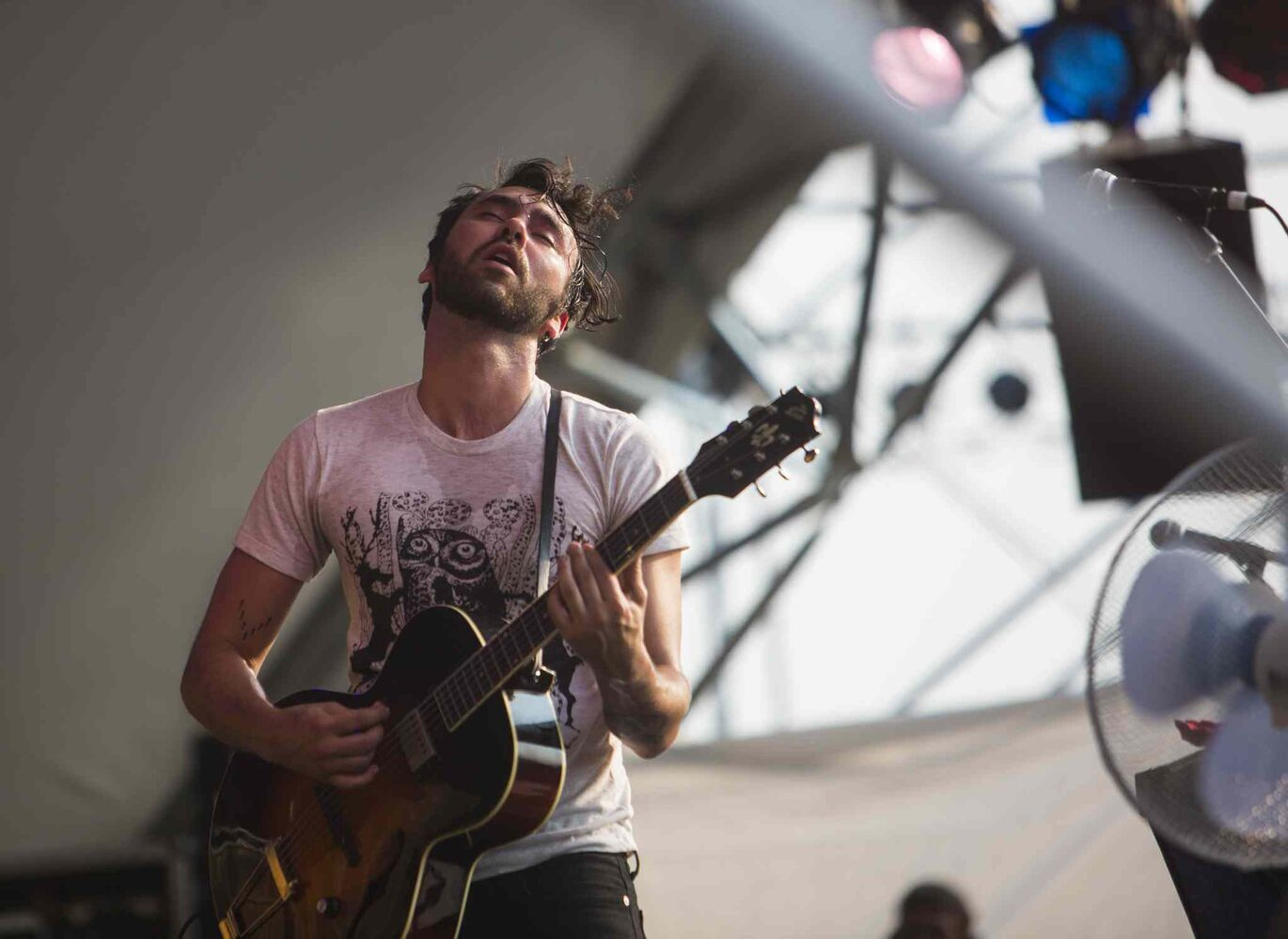 Shakey Graves plays at the Winnipeg Folk Festival in Birds Hill Park on Friday, July 10, 2015.   Mikaela MacKenzie / Winnipeg Free Press (Winnipeg Free Press)
