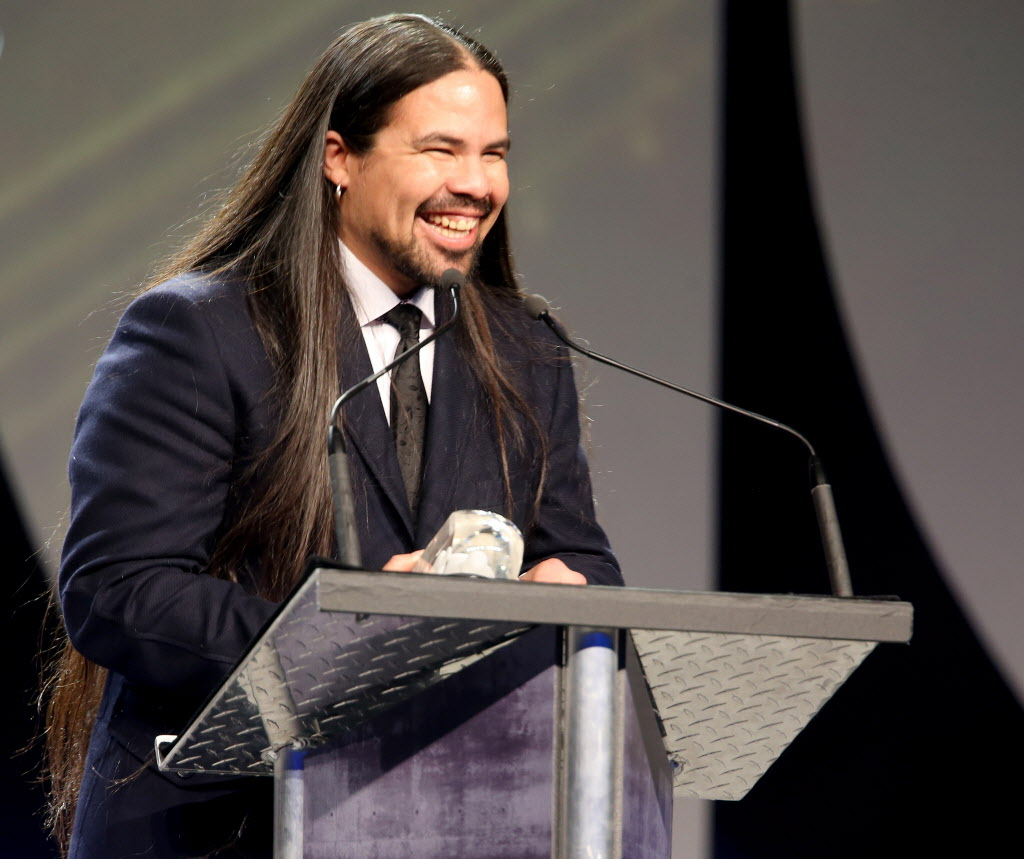 George Leach is all smiles as he accepts his Juno for Aboriginal Album of the Year.  (TREVOR HAGAN / WINNIPEG FREE PRESS)